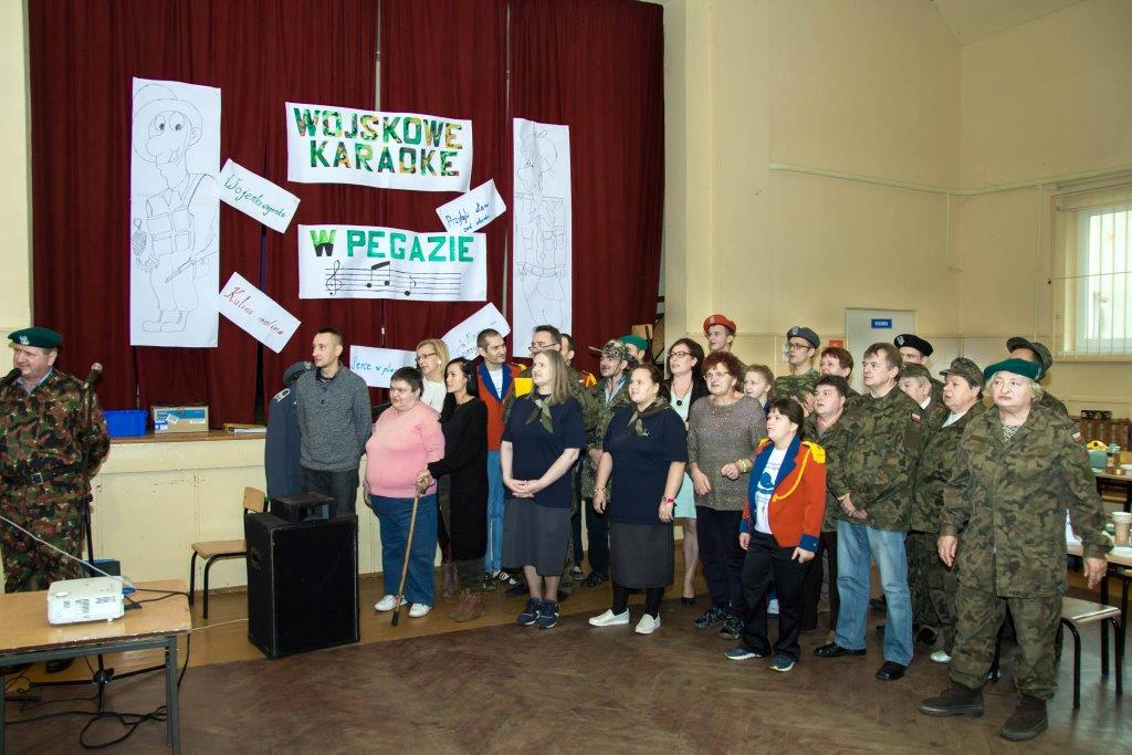 Więcej o: Wojskowe karaoke w Pegazie